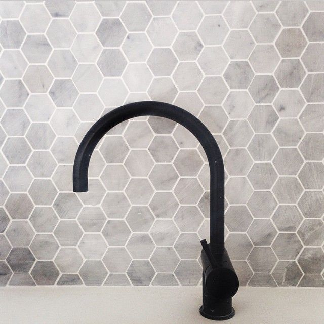 """You just can't beat marble hexagons and black tapware. Always a winning duo in my opinion! Via @cmstudio // #marble #blacktap #interiors #interiordesign…"""