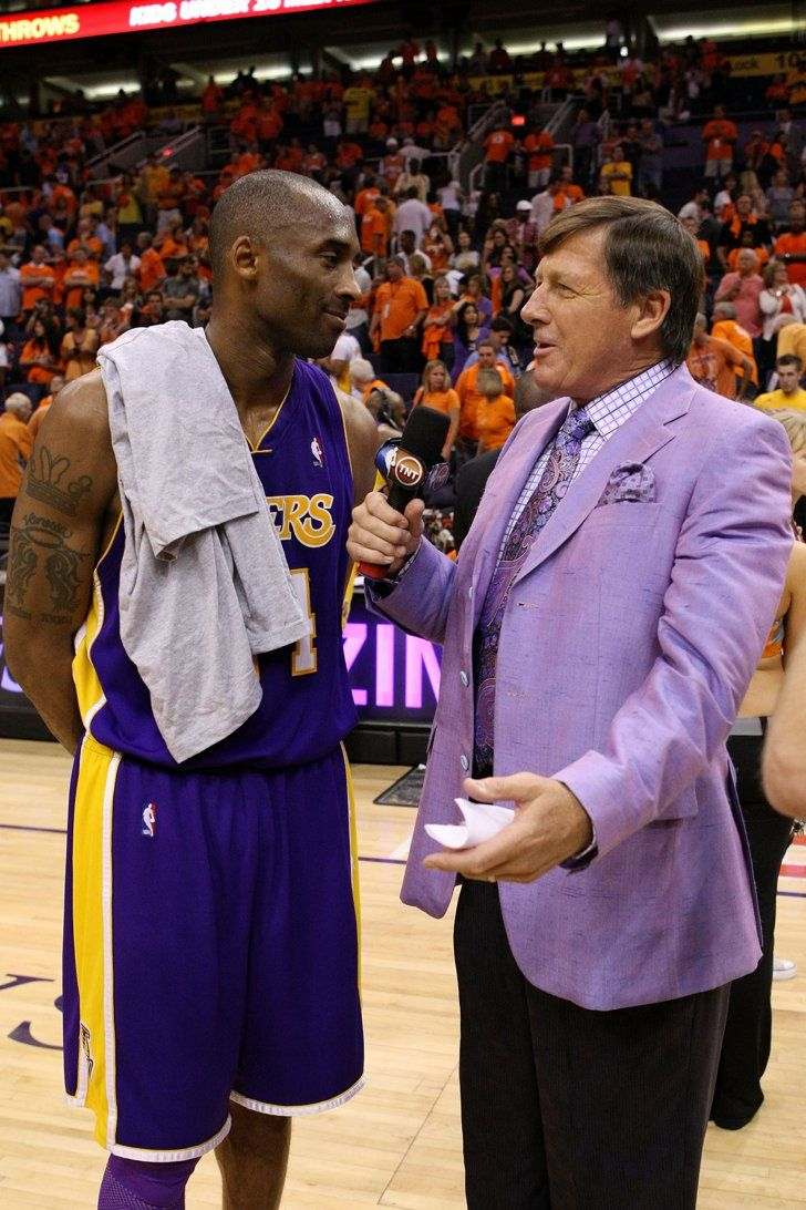 Pin for Later: The Touching Reason We're Shopping Quirky Suits Craig Sager in a Purple Suit It wasn't Lakers purple, but a color closer to lavender was perfect for interviewing Kobe Bryant.