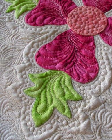 really like the quilting in the petals: Quilts Patterns, Quilts Inspiration, Beautiful Quilts, Hawaiian Quilts, Ivory Spring, Quilts Art, Machine Quilts, Sewing Machine, Quilts Ideas