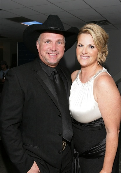 63 best images about country singer garth brooks on for Is garth brooks and trisha yearwood still married