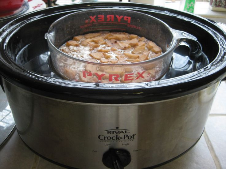 Heidi's Recipes: Crock Pot Oatmeal Recipe  Trying today with bananas instead of apples and added frozen berries.