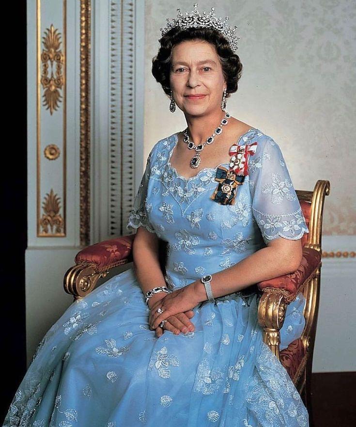 королева англии елизавета фото в молодости онлайна устали