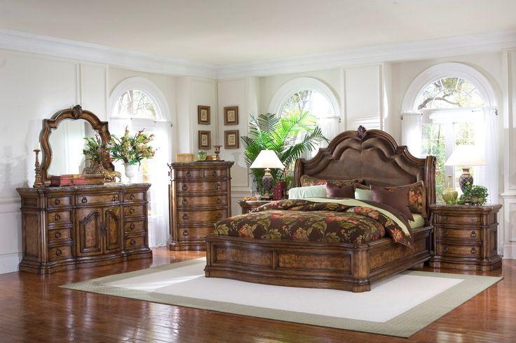 Pulaski Furniture San Mateo 4-Pc Sleigh Bedroom Set Queen Sleigh Headboard: 67″W x 8″D x 71″H Queen Sleigh Footboard: 67″W x 10″D x 37″H Queen...