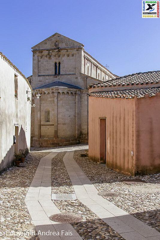 "#37 IFC Forum Contest 2014 23-11-14 ""Tratalias - Borgo"" (Ph. Andrea Fais - Aiò_Nonno) https://www.flickr.com/photos/privacy_please/ Sigma SD15 - 50mm 1.4 http://forum.foveon.it"