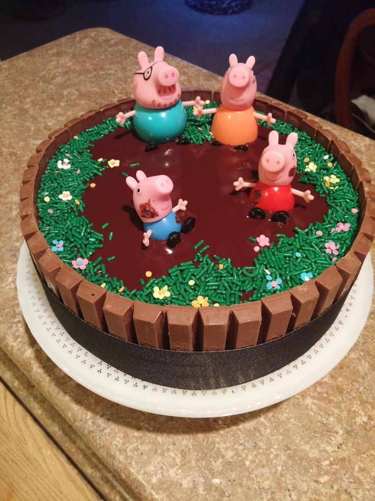 Peppa Pig birthday cake I made for my friend's daughters 2nd birthday #baking #cooking #food #recipes #cake #desserts #win #cookies #recipe #cakes #cupcakes