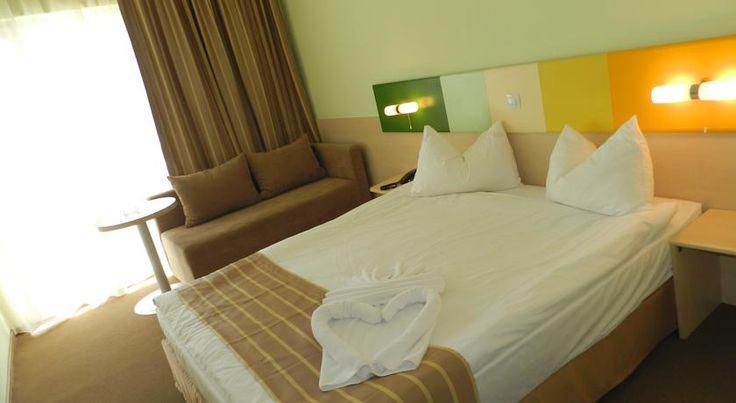 Hotel Zenith Mamaia super oferta iunie 2016, Last Minute Mamaia pentru minim 2 nopti cazare in perioada 01 - 15.06.2016, plateste 1 si merg 2.