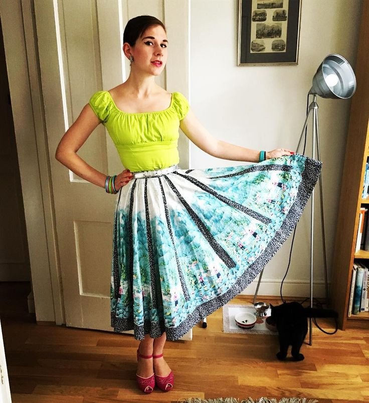 "167 Likes, 4 Comments - Liz Tregenza (@liztregenza) on Instagram: ""Today's outfit involves a #noveltyprint #borderprint 1950s skirt, @pinupgirlclothing top and…"""