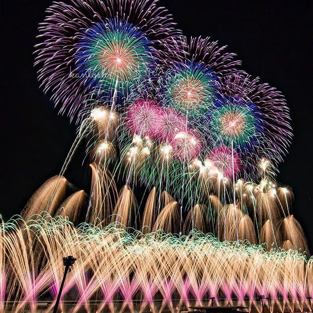 Instagram【kantosh】さんの写真をピンしています。 《2017.01.01 ツインリンクもてぎ 花火と音の祭典 New Year Fes location:栃木県茂木町  年2回になって久しぶりの正月もてぎでした。 以前は入り口ゲートに大きく「あけましておめでとうございます」の垂れ幕があったのであればそこからにしようかと思ってましたが、残念ながらありませんでした。。 なので中の定番位置から。 序盤、中盤はあらら今回はハズレかなと思うほどな展開でしたが、終盤一気に心を奪われましたヽ(;▽;)ノ 神風の強力なバックアップもありましたが、やはりもてぎは裏切らないですね♪  #花火 #花火大会 #fireworks #fireworks_lovers #栃木県 #茂木町 #ツインリンクもてぎ #twinringmotegi #花火と音の祭典 #NewYearFes #菊屋小幡花火店 #四重芯 #マーベラス #marvelous #サーキット #夜景 #nightscape #nightview #japan_night_view #tokyocameraclub…