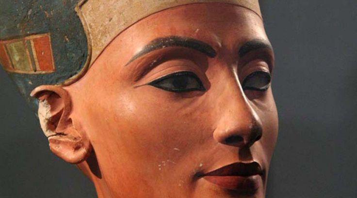 Egypt invites Egyptologist Nicholas Reeves to prove Nefertiti tomb theory