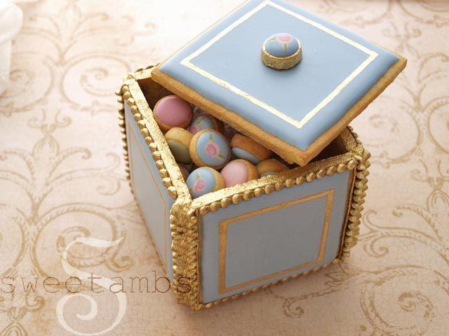 Cookie-box / caja hecha con masa se galletas