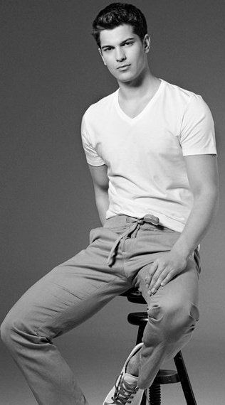 Çağatay Ulusoy. I'm guessing you're Turkish. But what I know is that you're hot.
