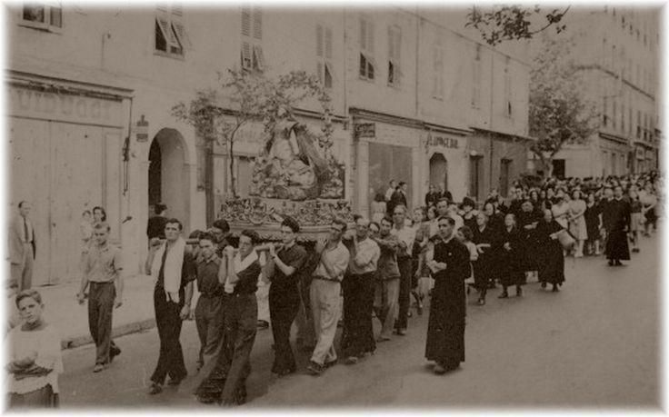 1947 Bd Paoli - Procession