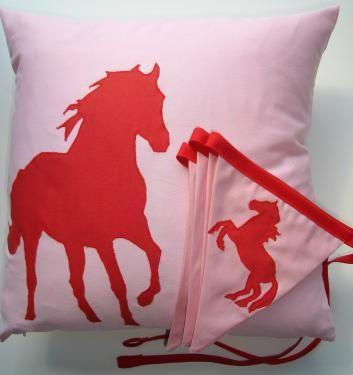 die besten 25 pferd n hen schnittmuster ideen auf pinterest kuscheltier pferd stofftiere. Black Bedroom Furniture Sets. Home Design Ideas