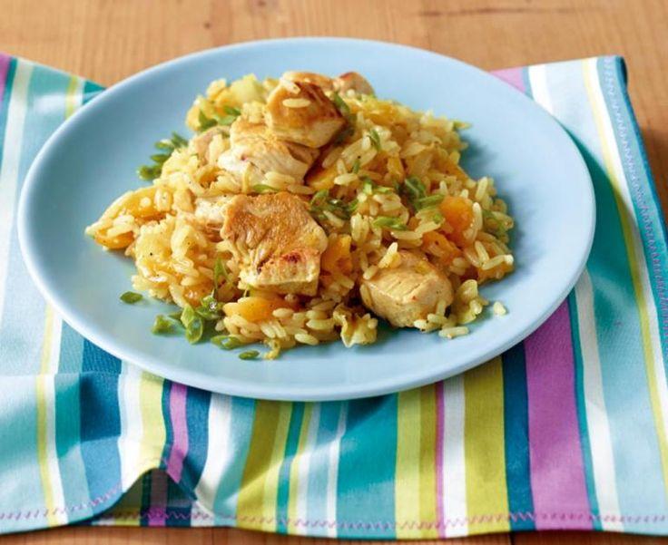 Marokkos Reistopf wird mit Langkornreisschön locker. Und mit Aprikosen lecker fruchtig. Dazu passt Feldsalat mit Joghurt-Granatapfel-Dressing.
