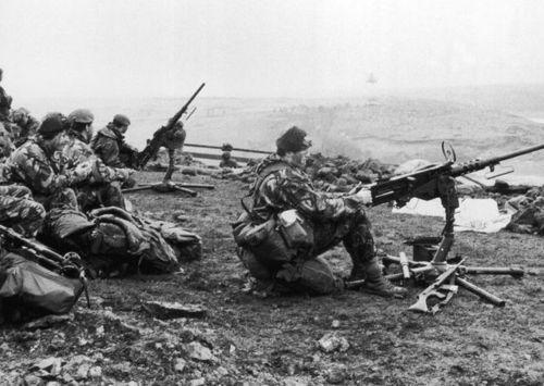 British troops during the Falklands war #FalklandsWar