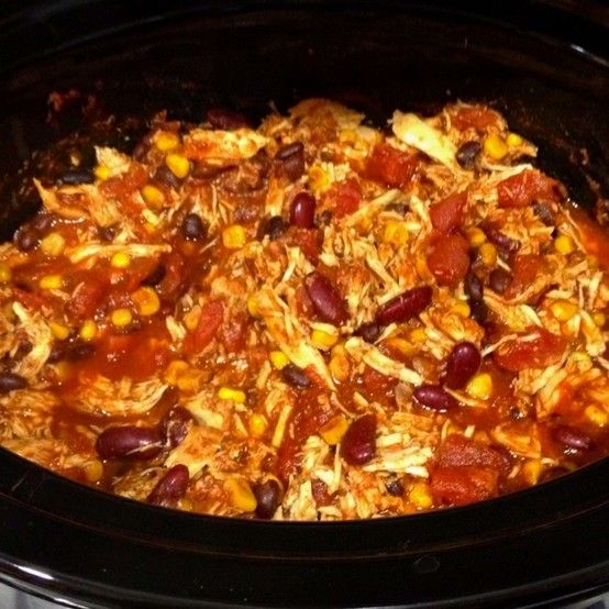 Cycle 2 Chicken taco chili...only about 200 calories a serving and makes 8 servings! 1 can black beans, 1 can kidney beans, 1 can corn kernels, 16 oz tomato sauce, 28 oz diced tomatoes, packet taco seasoning, 1 tbsp chili powder, 3 boneless chicken breasts. 6 hours high or 10 hours low in the crock pot.