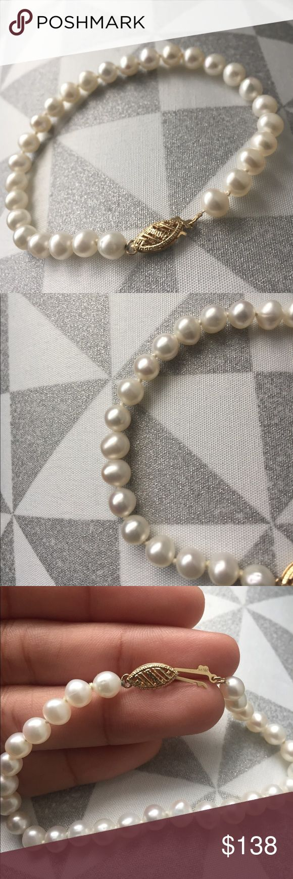 MAJOR PRICE DROP!! 🔥 14K Gold Pearl Bracelet ✨ From $138 to now $88! FIRM. Words can not evennnn describe how beautiful this bracelet is! The pearls give off an ivory/pink luster and the 14K gold fish hook closure works with no flaws. These pearls are authentic, the only thing i am unsure about is whether they're freshwater pearls or cultured. I dont know much about pearls nor wear them much (hence why they're being sold lol) but im sure there's someone out there who knows more and will…