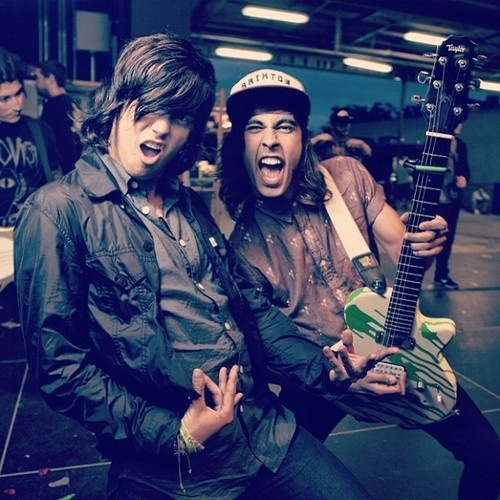 Kellin Quinn from Sleeping With Sirens & Vic Fuentes from Pierce The Veil! King for a day (:   So many people love this pic