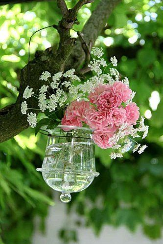 lovely: Hanging Flowers, Beautiful Flowers, Outdoor Parties, Floral Bouquets, Parties Flowers, Pink Rose, Gardens Parties, Bouquets Flowers, Flowers Garden