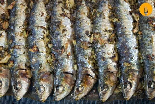 Hacer la receta de Sardinas al Horno es muy fácil, sencillo y un plato muy saludable por el alto contenido en omega tres de las sadinas