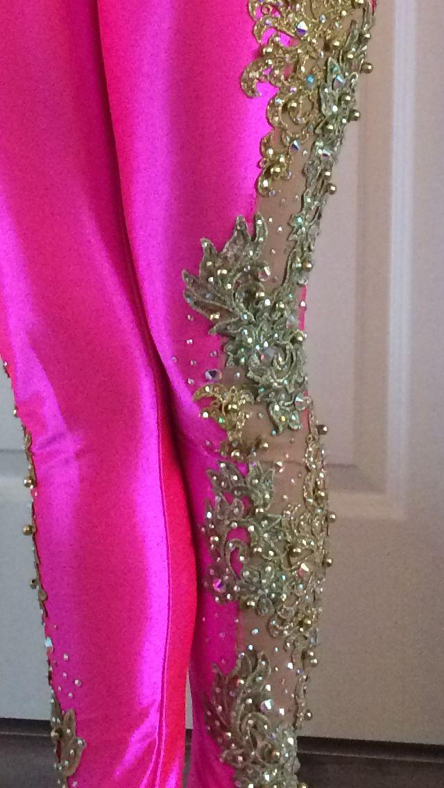 Close-up af buks - blonder og rhinsten.