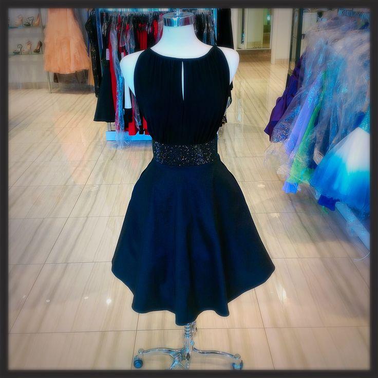 Adorable pocket party dress! #classicboutique #classic #pocketdress #yesithaspockets #eastgwillimbury #puckeringtowncenter