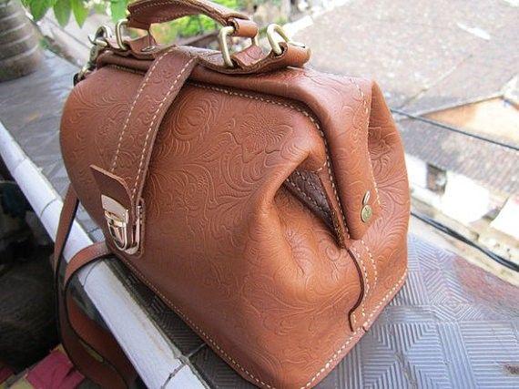 DIY tutorial sewing patterns Doctor bag pattern, leather pattern .