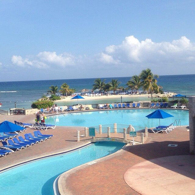 The Beautiful Pool At The All Inclusive Holiday Inn Resort Spa Montego Bay Jamaica Jamaica