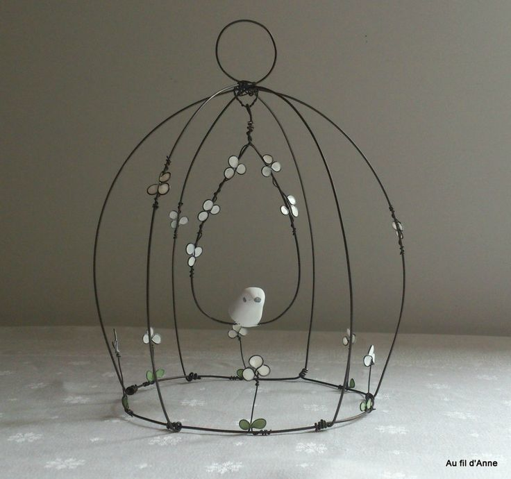 Cage cloche fleurs blanches