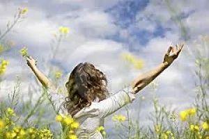 Vďačnosť – to sú iba slová, slová, slová, kým ju necítite intenzívne a hlboko vnútri. Aby ste si naozaj podmanili silu vďačnosti, musíte si ju precvičovať, precvičovať a precvičovať, kým nedosiahnete najväčšiu hĺbku tohto pocitu a najvyššiu frekvenciu. To je vďačnosť vo svojej vrcholnej sile.
