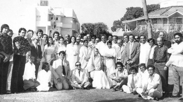 bollywood indira gandhi, indira gandhi throwback pic, bollywood throwback pic, raj kapoor dilip kumar dharmendra, indira gandhi with bollywood actors, old pic bollywood, bollywood throwback pics, bollywood black and white, bollywood throwback pic raj babbar, raj babbar shares old pic, raj babbar pics, raj babbar indira gandhi, indira gandhi film stars viral pic, indira gandhi film stars, bollywood nostalgia, bollywood throwback times, bollywood news, entertainment updates, indian express…