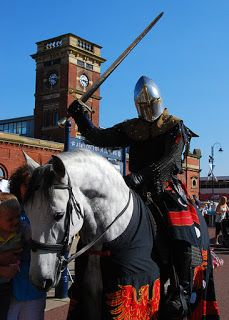 Places of interest in the United Kingdom: The black knight of Ashton-under-Lyne