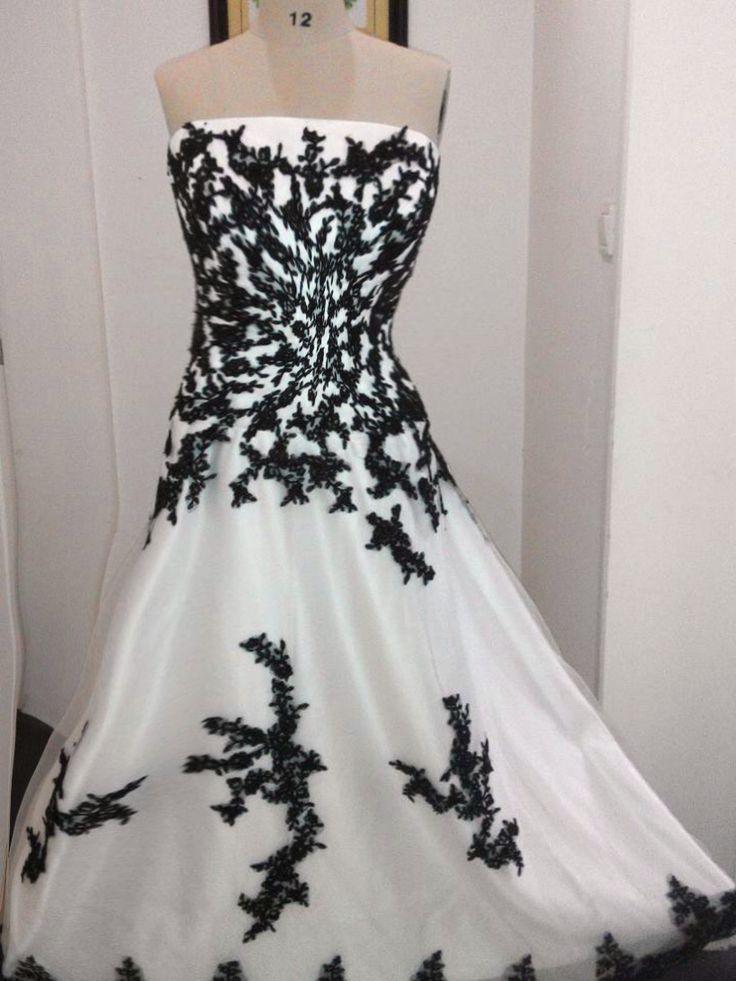 Goedkope Hot Koop Gothic Zwart wit Trouwjurken 2015 Custom Made Plus Size Bruidsjurken, koop Kwaliteit trouwjurken rechtstreeks van Leveranciers van China: van harte welkom om viking bruids winkelOnze fabriek is een professionele en betrouwbare fabrikant lokaliseren in suzhou