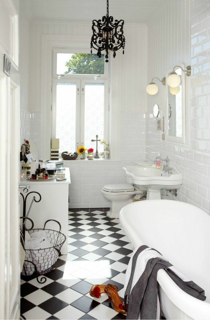 Les 25 meilleures id es de la cat gorie lustre de salle de for Salle de bain retro