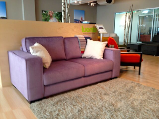 Purple sofa - so fun!! Luonto. Finland.