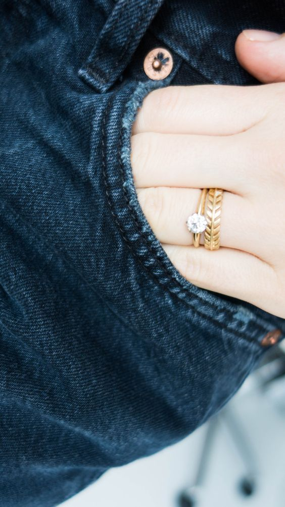 Vintage Gold Engagement Ring & Wedding Band / http://www.deerpearlflowers.com/sparkly-engagement-rings-for-every-kind-of-bride/