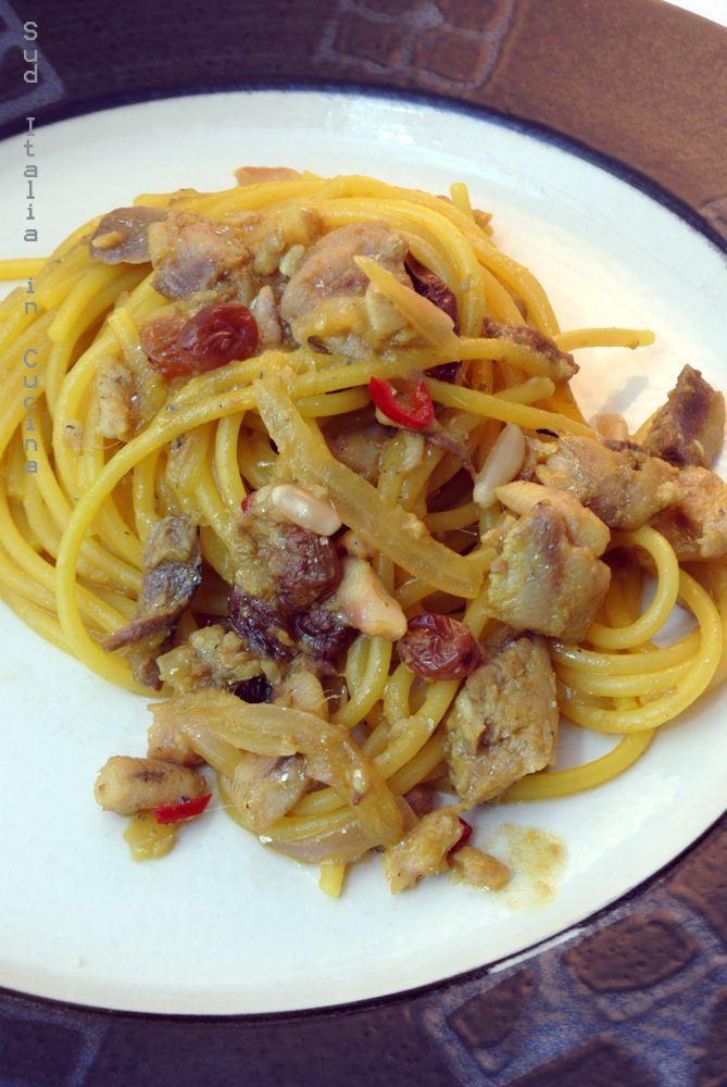 Pasta con le Sarde Pugliese - Come farsi nemici i siciliani, ma v'assicuro che è proprio una delizia con la Cipolla di Acquaviva  http://blog.giallozafferano.it/suditaliaincucina/?p=2846