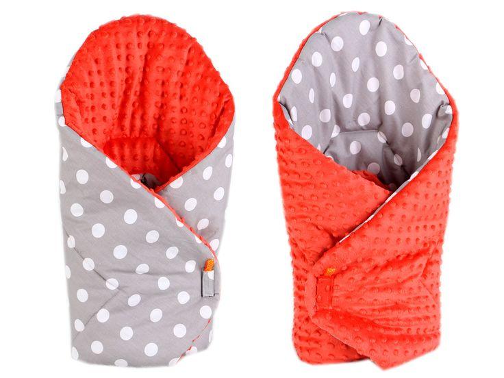 Luxusná kojenecká zavinovačka z kvalitného materiálu Minky, ktorý je veľmi príjemný na dotyk a hrejivý. Zavinovačka je obojstranná a so zapínaním na suchý zips.