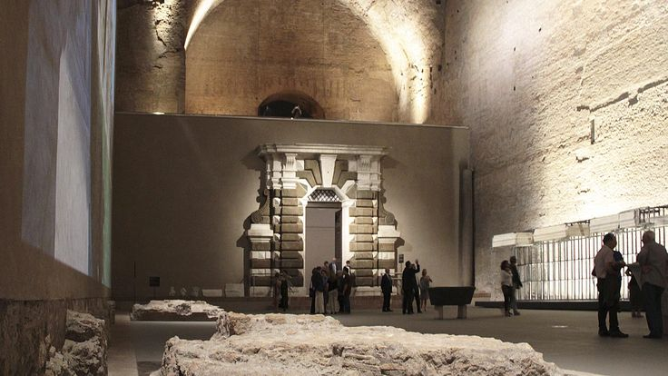 Terme di Diocleziano - Museo Nazionale Romano awarded with the European Union's Prize for Cultural Heritage / Europa Nostra Awards 2016, granted by the European Commission and Europa Nostra. Products used Aula VII : LUX 180 , 260 Lux ( + visors ), Aveplane