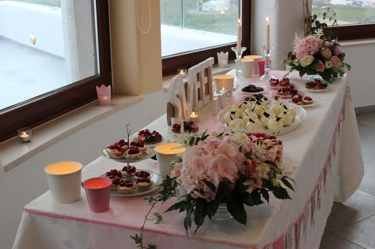Add richness with flowers to a dessert table