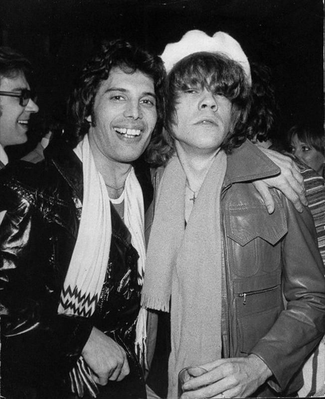 Pictured here is one of the most legendary rock stars to ever live, the former lead vocalist of Queen, Freddie Mercury. Joining him in the picture is fellow singer and songwriter David Johansen.