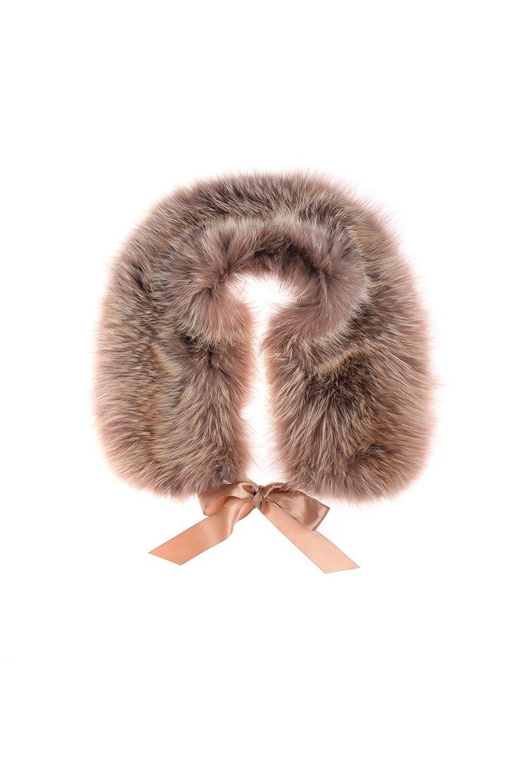 Меховая накидка на текстильной ленте. Материал: Натуральный мех лисицы http://oneclub.ua/nakidka-12649.html#product_option187