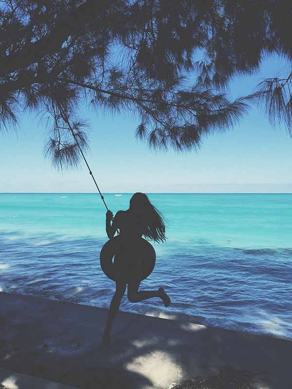 swing above the big blue | COCONUTS AND SUNSHINE