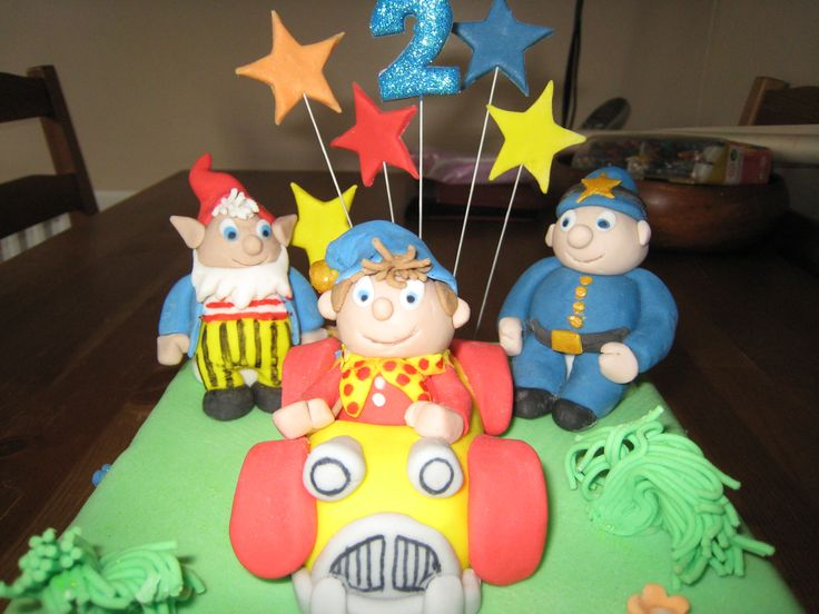 Noddy, Big Ears and PC Plod birthday cake for a boys 2nd birthday sponge with green fondant icing