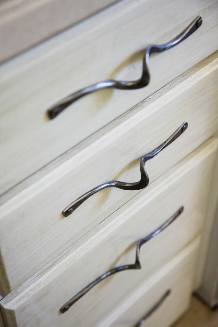 die besten 25 griffe f r k chenschr nke ideen auf pinterest schrankgriffe k chenschrank. Black Bedroom Furniture Sets. Home Design Ideas