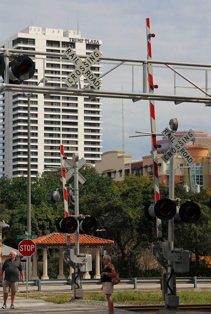 20130206_24 USA FL West Palm Beach Gardenia Street   Flickr - Photo Sharing!