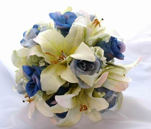 Blue roses and white calla lilies wedding bouquets - The Wedding ...