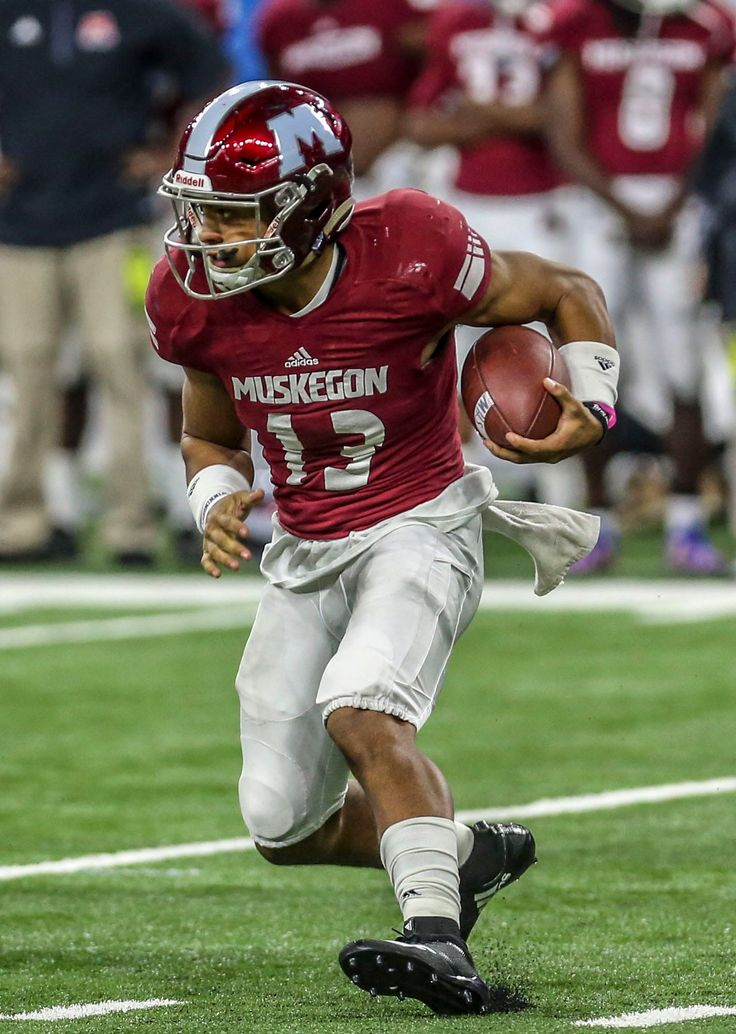 Muskegon QB Cameron Martinez commits to Ohio State