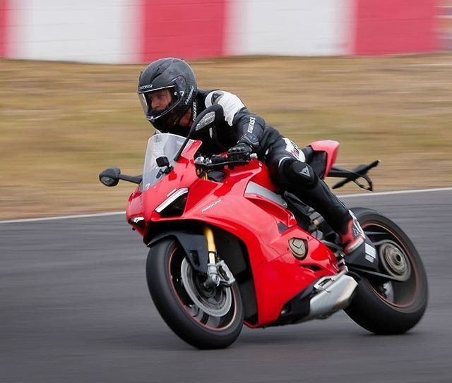 Track time with the new Ducati Panigale V4S - I recently got a hour with the new Fujifilm X-H1 what a machine - both the camera and the bike @ducati.cape.town  @ducati_sa #ducati #ducatista #italianstyle #panigale #panigalev4 #panigalev4s #xh1 #fujifilmsa @fujifilm_sa