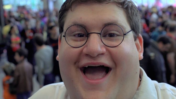 "Robert Franzese is a New York City-based cosplayer who does a ""freakin' sweet"" job of impersonating cartoon character Peter Griffin from Family Guy. From Griffin's iconic green pants to his goofy g..."